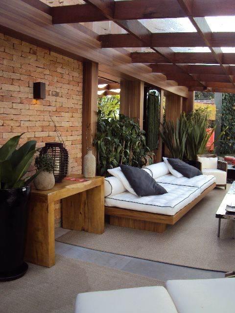 Casas com alpendre lindas varandas ao redor decora o for Casa de una planta rustica