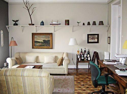 Escrit rios na sala de tv 36 formas de montar e decorar for Sala de estar pequena con escritorio