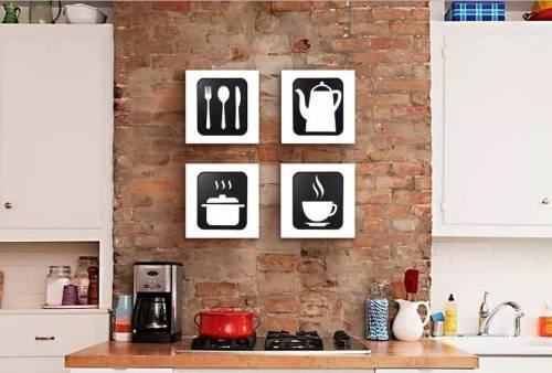 f2708b103 A cozinha de parede rústica de tijolos ganhou um toque de modernidade com  os quadros em preto e branco de utensílios.